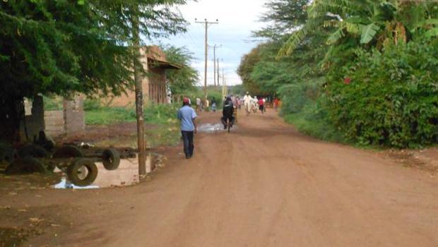 L'aventure africaine V – Tavéta lumière allumée ? Non ? Ah parce que blabla etc. (encore un titre original qui déchire tout)